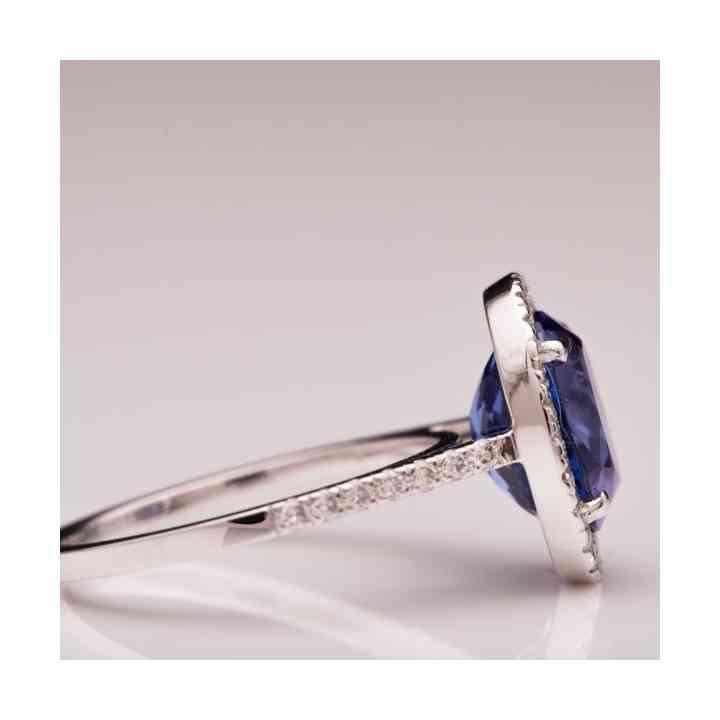 Inel din Aur Alb 18K cu Tanzanit și Diamante