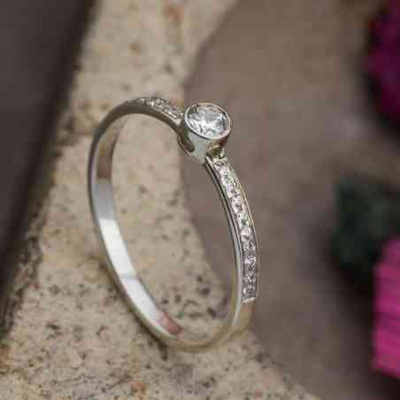 Inel Logodnă Aur Alb 18K cu Diamant