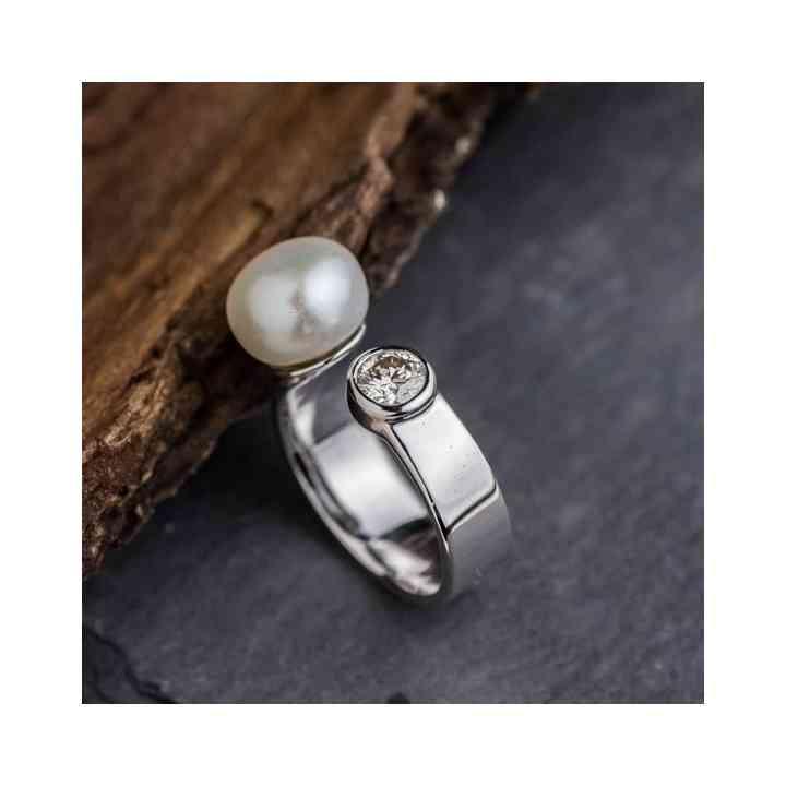 Inel din Aur Alb 14K cu Perla si Diamant