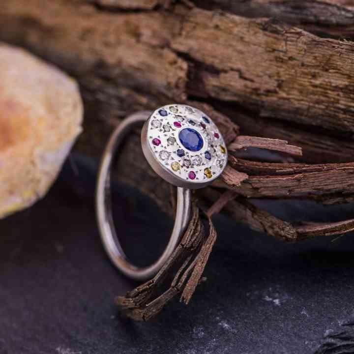 Inel din Aur Alb 18K cu Safire, Rubine si Diamante