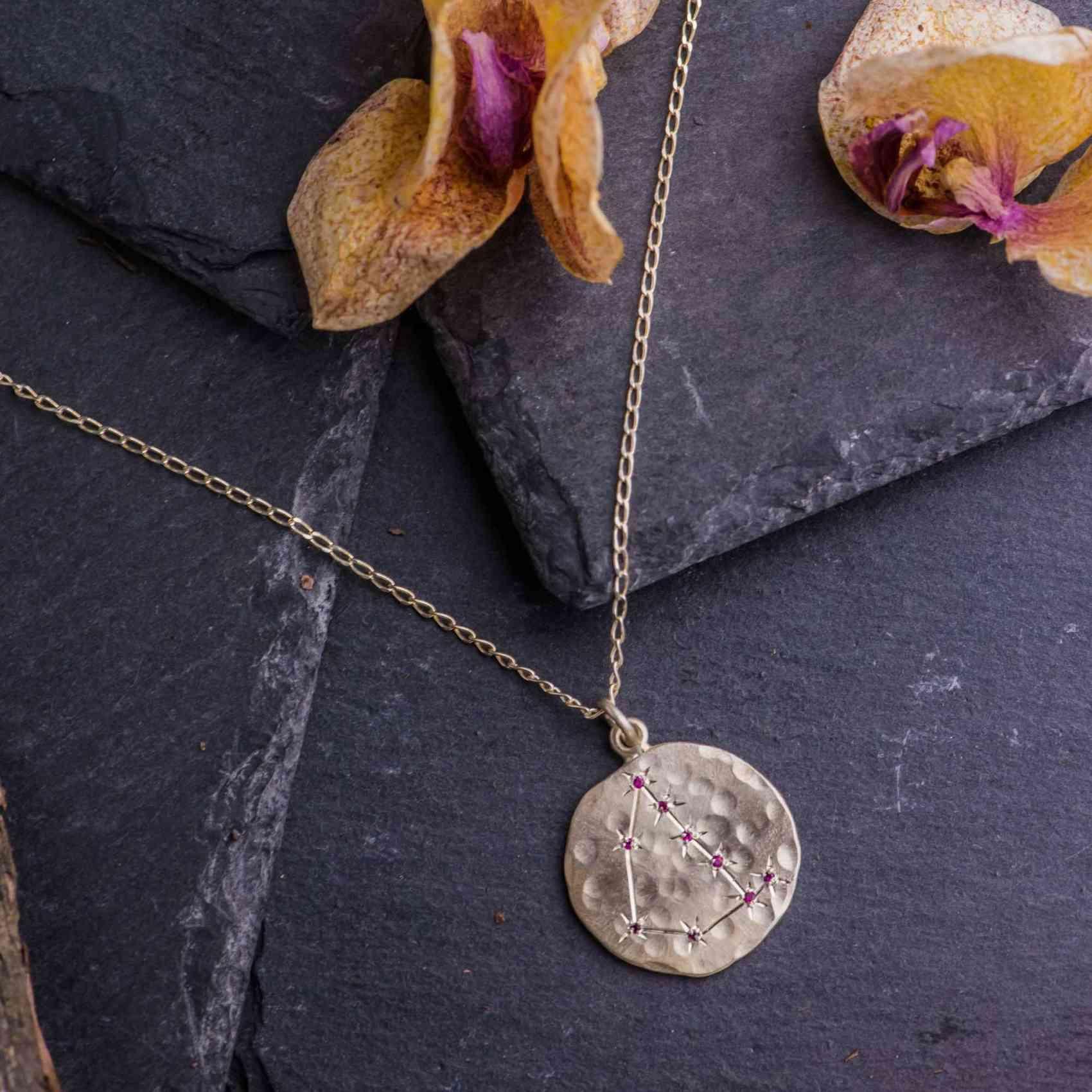 Colier si Pandantiv din Aur Alb 14K cu Rubine Naturale