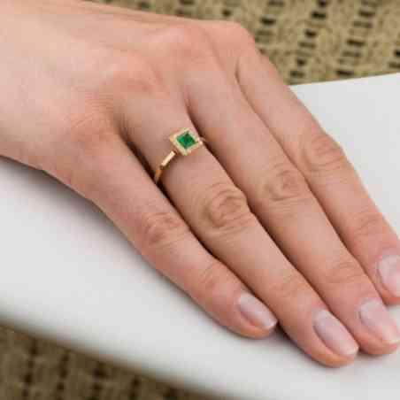 Inel Logodnă Aur 18 K cu Diamante și Smarald