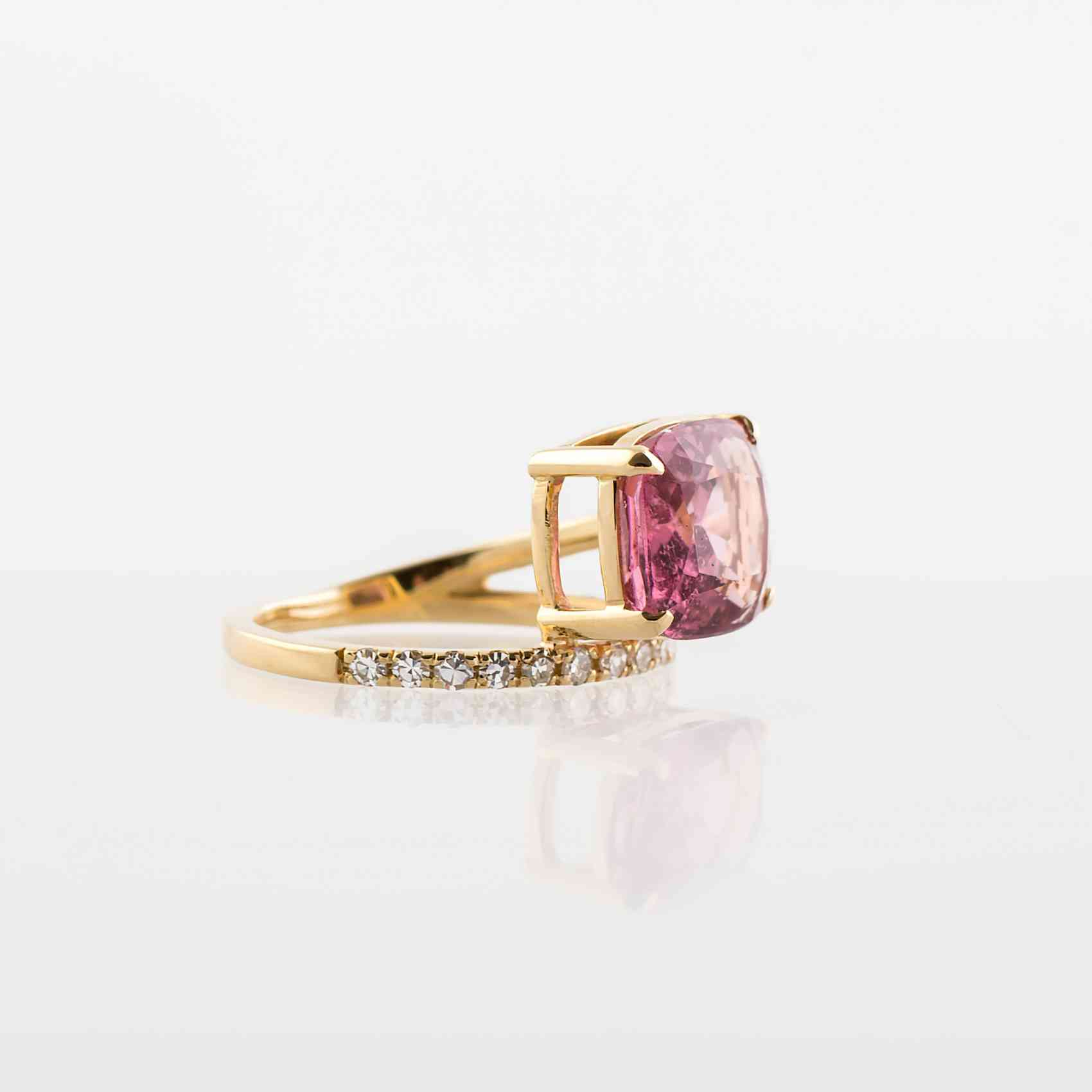 Inel din aur galben 18K cu Turmalină și Diamante