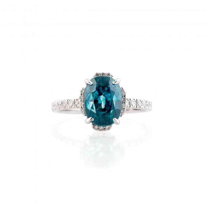 Inel din aur alb 18K cu Zircon natural și Diamante