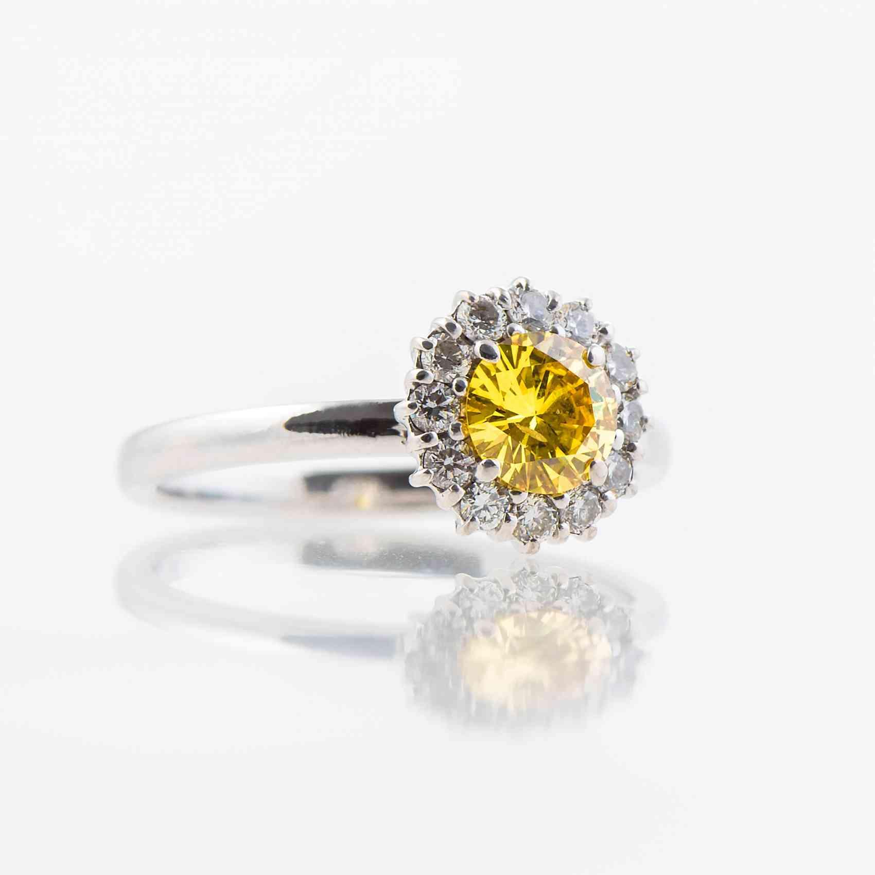 Inel din aur alb 18K cu Diamant Yellow Fancy