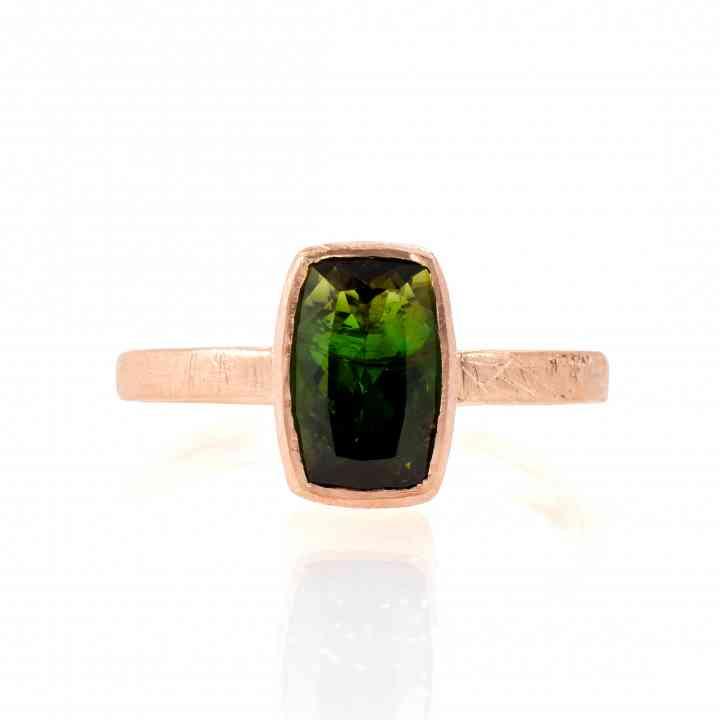 Inel din aur roz de 18K cu Turmalina Verde Intens